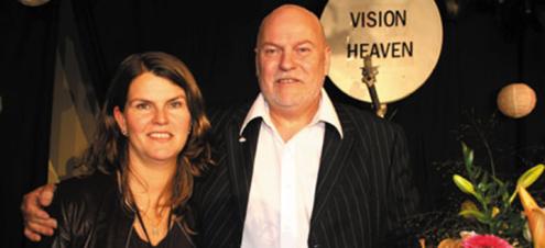 Pastor Jan Hanvold her med sin tredje kone